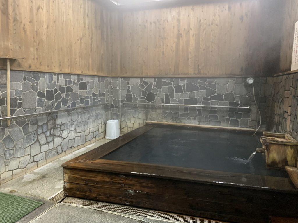 湯の峰公衆浴場2